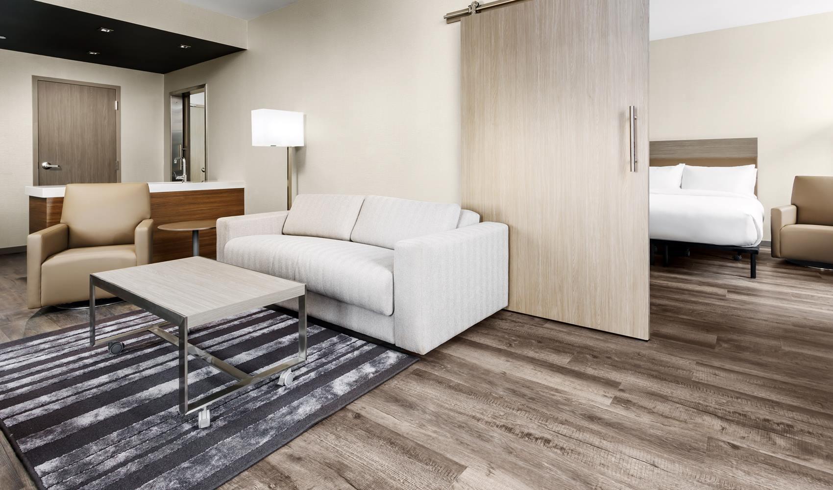 A C Hotel Spartanburg living room